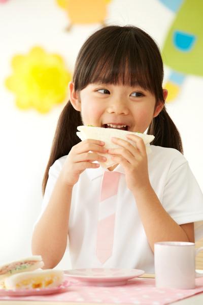 幼稚園児の笑顔